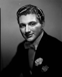 Walter Liberace in 1943