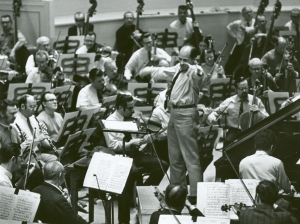 Pierre Boulez rehearsing the Daniel Barenboim and the Chicago Symphony Orchestra in Bartók's First Piano Concerto in February 1969