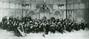 Theodore Thomas and the Chicago Orchestra onstage at the Auditorium Theatre in November 1897