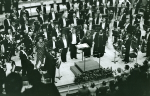 Receiving bows following Beethoven's Ninth Symphony at Orchestra Hall on September 24, 1986