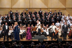 Joshua Guerrero, Michelle DeYoung, Latonia Moore, Roberto Alagna, and James Creswell, along with the Chicago Symphony Orchestra and Chorus in Verdi's Aida on August 3, 2013 (Patrick Gipson photo)