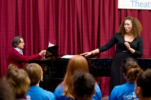 Riccardo Muti and Chicago Symphony Chorus mezzo-soprano Elizabeth Gray at the Illinois Youth Center in Warrenville on September 27, 2010