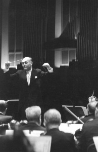 Solti and the Orchestra onstage at Carnegie Hall on January 9, 1970 (Robert M. Lightfoot III photo)