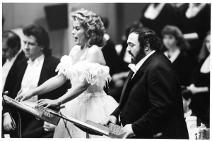 Kiri Te Kanawa and Luciano Pavarotti onstage at Orchestra Hall