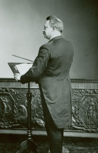 thomas-at-podium