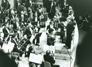 Price onstage with Solti and the Orchestra at Carnegie Hall on April 29, 1980 (Robert M. Lightfoot III photo)